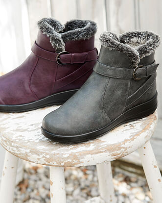 Flexisole Faux Fur Lined Boots