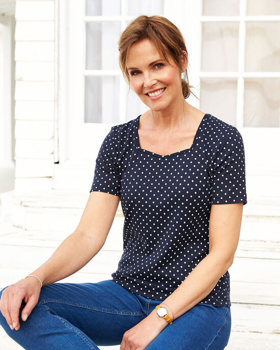 Wrinkle Free Sweetheart Neck Spot Top